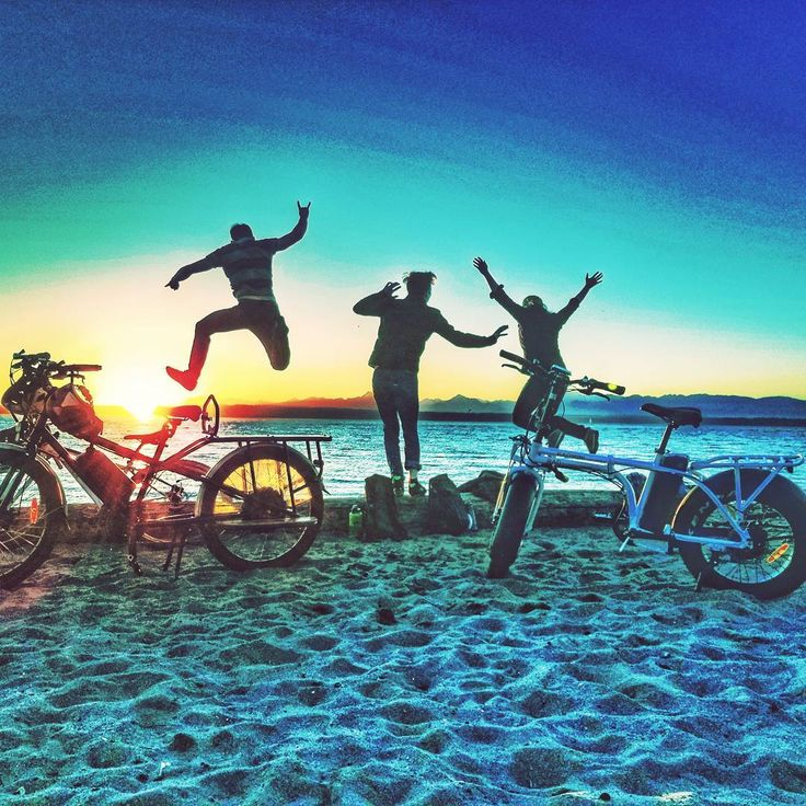 I tried to think of a clever caption for this photo; it hasn't dawned on me yet but I'll think of something eventually.  #sunset #goldengardens #environment #solarenergy #outdoorfun #biking #electricbikes #carfree #freeyourself #alternativetransportation #jumpforjoy #celebratelife