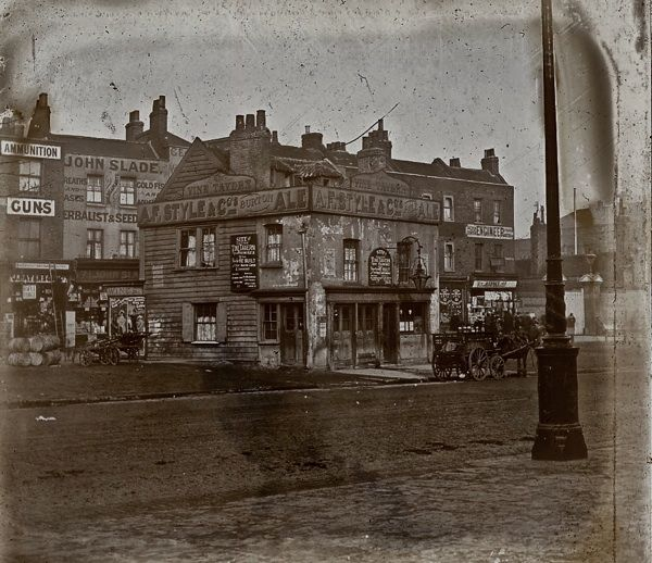 The Pubs of Old London: The Vine Tavern, Mile End Road