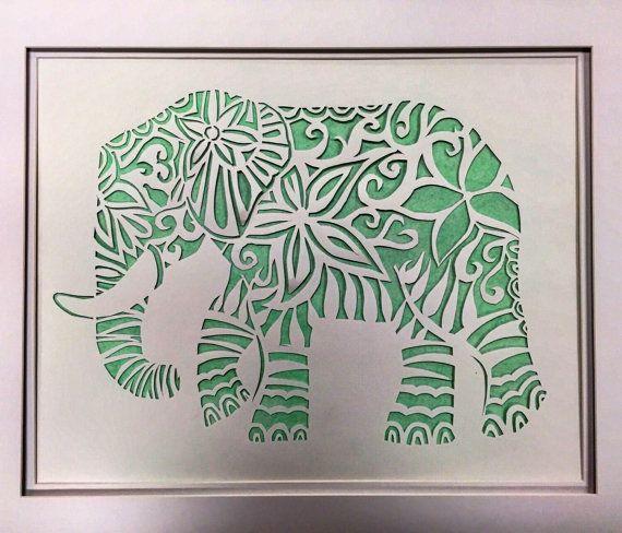 Elefante de papel cortado por JaggersLane en Etsy