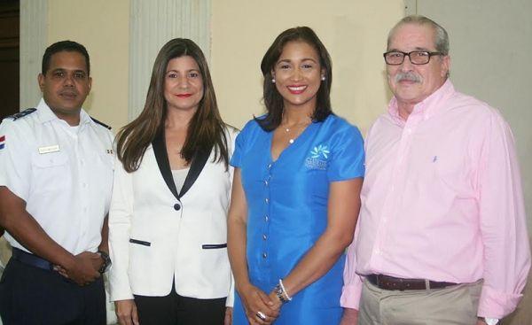 Coronel Ignacio Peña, Luisa Feliz, Jakaira Cid y Máximo Iglesias.