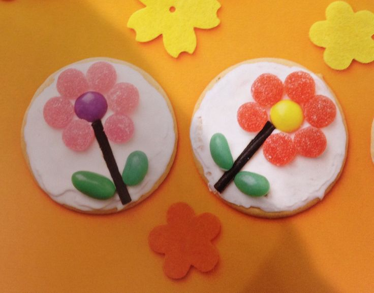 Flower Marie biscuits