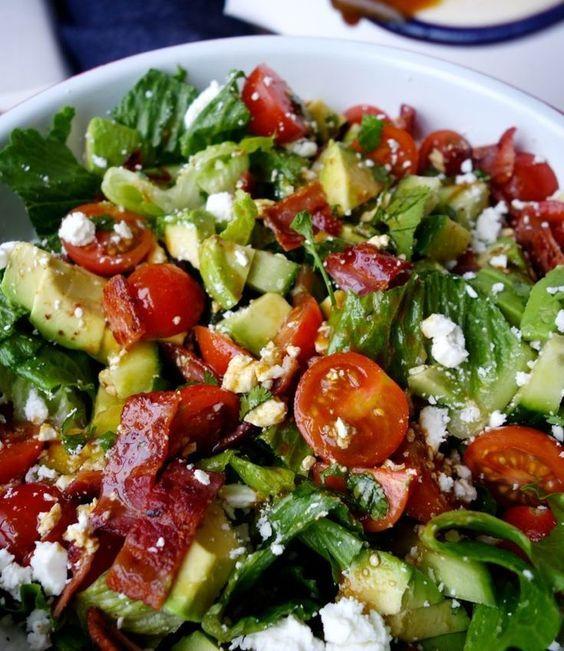 Avakadolu Közlenmiş Kırmızı Biber Salatası