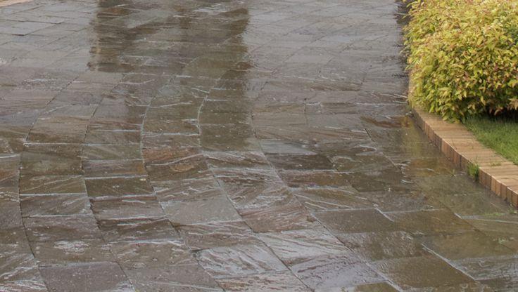 Sandstone paving, klinker border. Мощение пиленым песчаником. Ландшафтные работы - СпецПаркДизайн, Санкт-Петербург, Россия