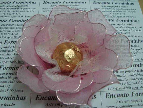Forminha para doces Modelo: Rosa Majestosa Confeccionado em meia de seda Confecciono em diversas cores