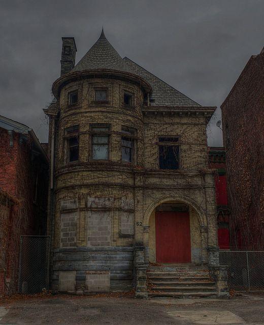 detroit abandoned houses