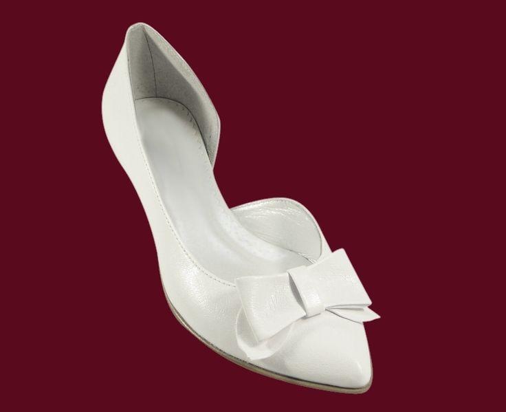 Buty ślubne,kolorowe buty ślubne,obuwie ślubne ,białe buty ,obuwie do ślubu ,płaskie obcasy,duże buty,duża stopa,tęga łydka ,duże rozmiary, małe rozmiary ,nietypowe ,buty damskie,kozaki,obuwie ślubne,obuwie,obuwie damskie,buty damskie,białe ,buty ślubne,b