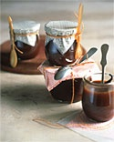 Hostess Gift Ideas~ Creative ideas for hostess gifts, including items for the home and garden, treats from your kitchen, gift basket suggestions, and more.Sauces Recipe, Food Gift, Gift Ideas, Bourbon Sauces, Christmas Gift, Bourbon Vanilla, Hostess Gift, Caramel Bourbon, Vanilla Sauces