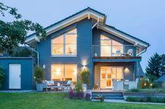 Etwas ist ganz anders an diesem Haus, aber was? Wenn eine Baufamilie schon das zweite Stommel-Haus ihr eigen nennt, kennen sie die Feinheiten bis ins letzte...