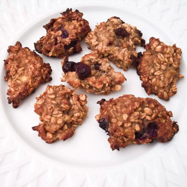 On se pose devant #RolandGarros avec la finale Djokovic/Wawrinka qui commence fort et des cookies à l'avoine !  #RG15 #tennis #food #foodporn #cosy #lazy #girl #healthy #cook #foodie #cookie #chocolate #tea #paleo #oatmeal #photo #photooftheday #sport #like #love #follow #followme