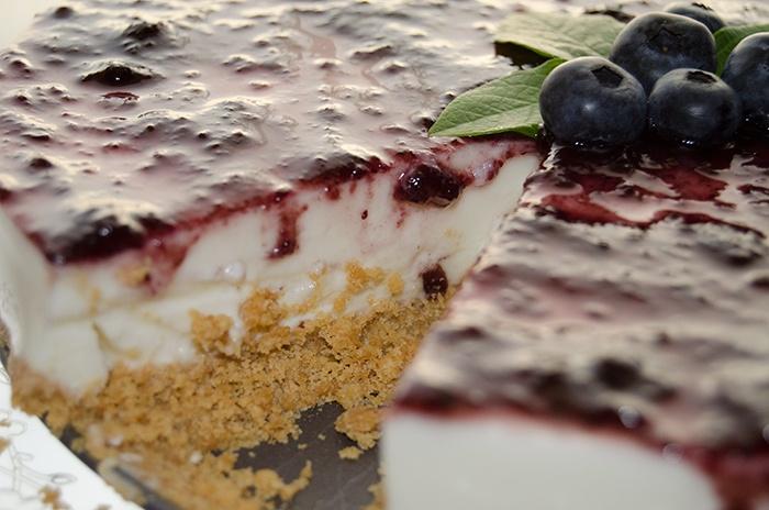 Cheesecake de Mirtilo  Veja a receita em http://anarosa.myshopify.com/blogs/news/6428148-cheesecake-de-mirtilos