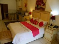 fully furnished one bedroom, full bathroom, kitchenette, DSTV, 24 hour security, undercover parking, free WI-FI, swimming pool and big beautiful gardens. This is a 5star Guest House, nearby hospitals and shopping centre, Gym and M28, M31, R50, M25, M27 and 30 min drive to OR Thambo.Rent is R6800 pm and fully dep will be needed, this is a place where you can come home after work and enjoy the peaceful country living. One person or couple is ideal for this apartment.