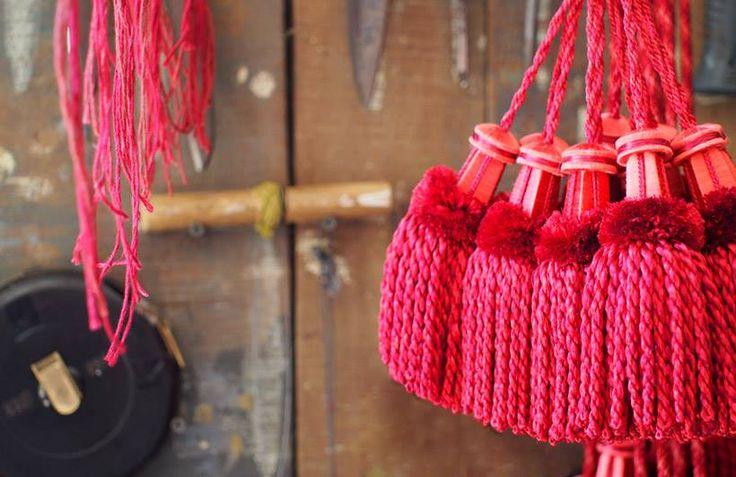 (28) Morrison Polkinghorne   #tassel #passementeries#Morrison Polkinghorne @morrison_polkinghorne #lifestyle #style #chic #picoftheday #instadaily #amazing #beautiful#red #interior #design #tassels #textiles #decoration #boyac #colour