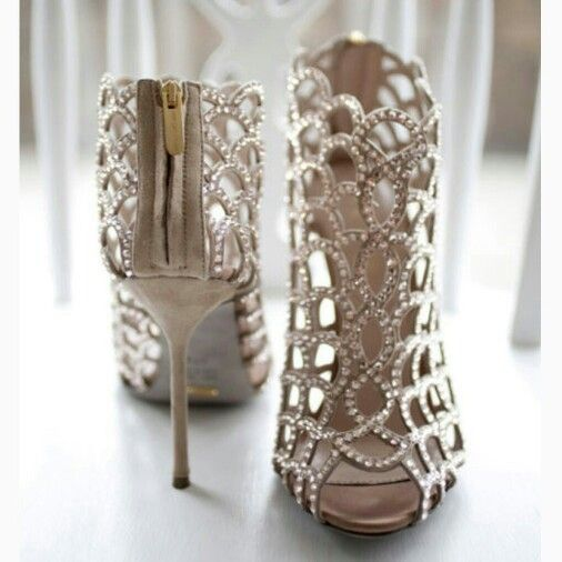 Amazing Bridal Shoes     www.closetwhite.com