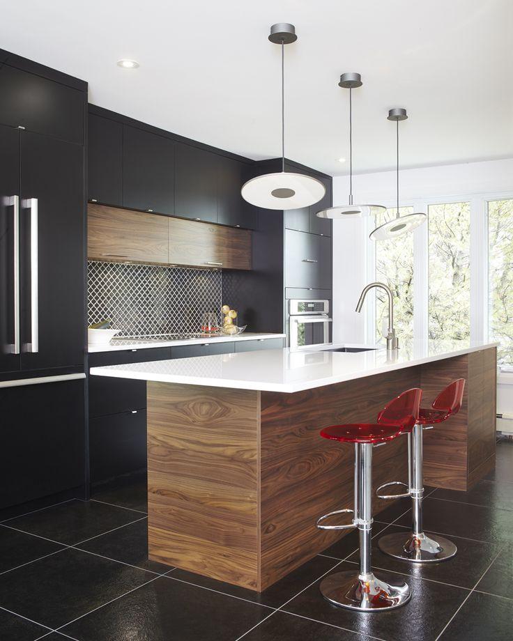 Armoires de cuisine moderne en merisier laqué et noyer tranché Simard cuisine et salle de bains