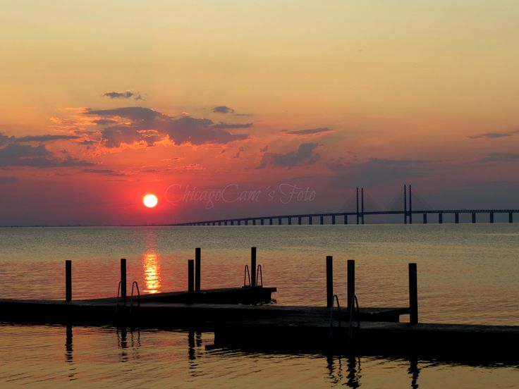 Öresund and the Öresundsbridge in a beautiful sunset.  ChicagoCam´s Foto