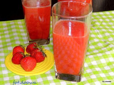 Moje Małe Czarowanie: Lemoniada z truskawkami i zieloną herbatą
