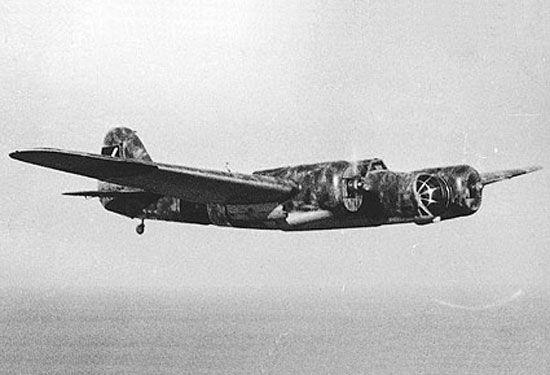 Spain - 1937. - GC - LA BATALLA DE BRUNETE Tupolev SB-2 (Katiuska) Bombardeo soviético. Pese a que a su entrada en el conflicto los cazas nacionales no podían oponerse a un avión tan rápido, en Brunete sufrieron graves pérdidas.