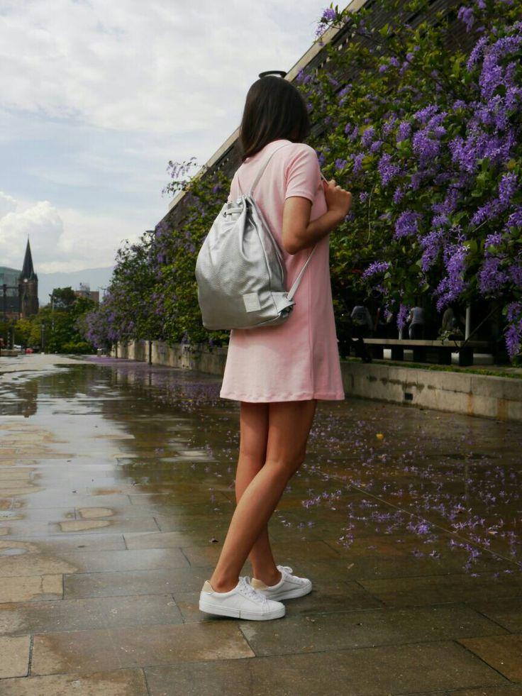 Ponle brillo al inicio de semana! Mochila Silver disponible. Info 3017778477 ó inbox. Ordena ya!  #compracolombiano #diseñoindependiente #compralocal #mochilas #bags #style #fashion #lifestyle #Medellín #conceptstore #hechoencolombia #style #womenfashion #picoftheday #ethicalfashion #ethicalclothing #ethicaldesign #animalfriendly #ethicaldesign #yocomprocolombiano