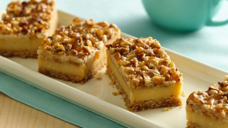 Enjoy cheesecake in the form of an easy bar with layers of caramel, rich toffee and crunchy nuts.