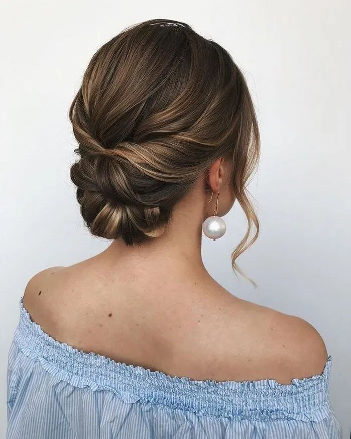 160+ trendiest updos for medium length hair 13 ~ thereds.me - Updos for medium length hair - #Hair #length #medium #theredsme #trendiest #Updos #Updosformediumlengthhair
