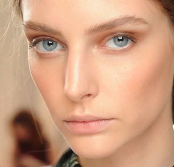 Highlighting And Contouring - Beauty Banter (Includes Josie Maran's bronzing trick)