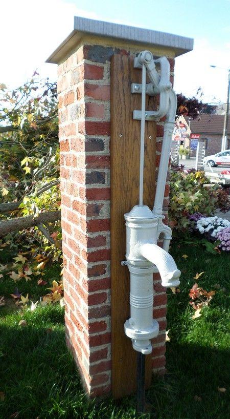 Pompe à eau installée sur la Place de Gognies Chaussée