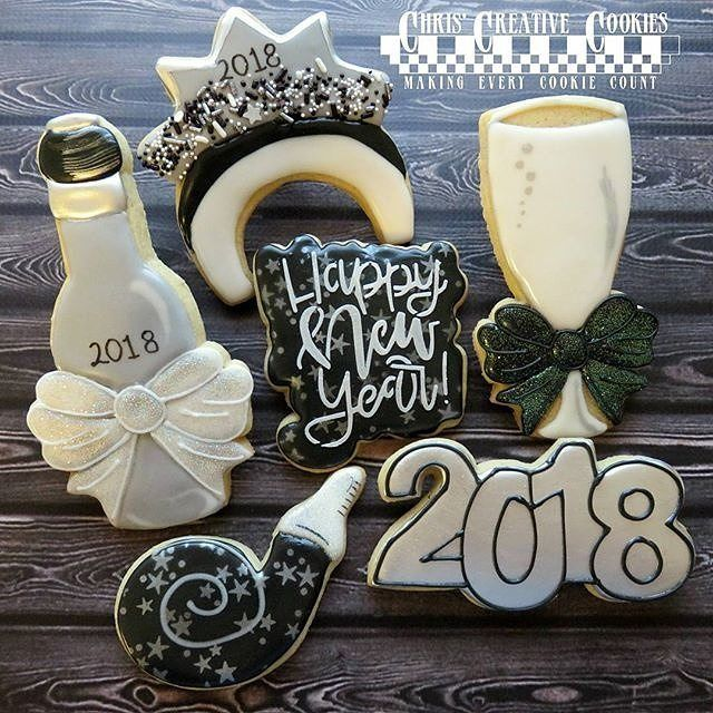"""324 Likes, 3 Comments - Bobbi Barton (@bobbiscookies) on Instagram: """"Here's another New Year's Eve set to get your evening started! @chriscreativecookies used our NYE…"""""""