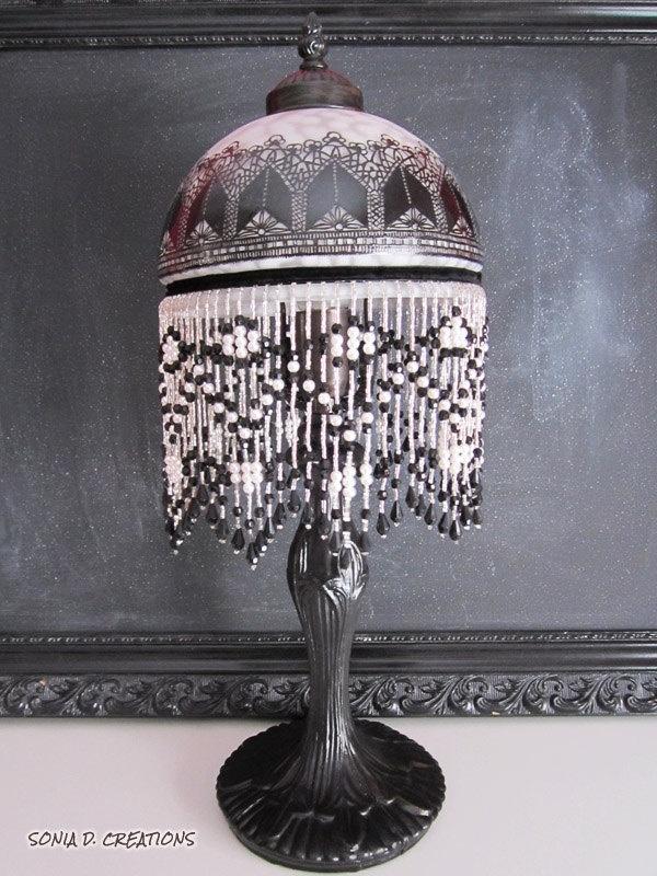 Lampe ART DÉCO. $115,00, via Etsy.