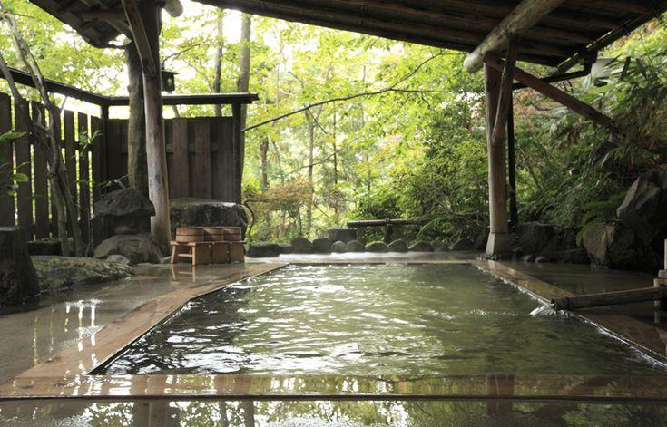 Higashi-Naruko Onsen, Miyagi, Japan 鳴子温泉郷東鳴子温泉 大沼旅館:庭園貸切露天風呂 2種の泉質 7つの浴槽 貸切可能もあり 宮城県 Japan