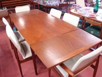 fabulous extendable table and chairs