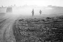 """Agora que a folia está quase no fim (finalmente) e a vida está prestes a começar no país, é hora de refletir sobre nossa condição atual e o que devemos fazer, como cidadãos, para garantir um futuro melhor para a próxima geração. Neste texto, saiba o que é a """"pegada ecológica"""" e a condição atual em que estamos. A crise hídrica pela qual passamos é só uma das muitas condições que precisamos enfrentar, não ignorar."""