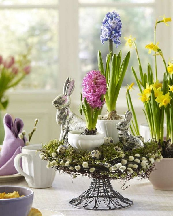 Beautiful nest cradling pretty blooms from Spring flowering bulbs & bunnies!