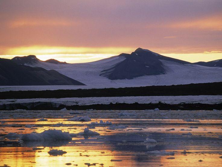 achtergronden voor op je mobiel - Besneeuwde bergen: http://wallpapic.nl/landschappen/besneeuwde-bergen/wallpaper-40158