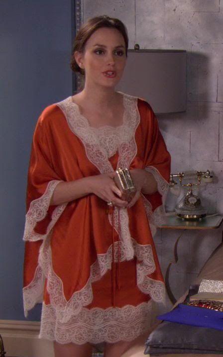 5x15 Love this. So jealous of her sleepwear. Natori slip and wrap.