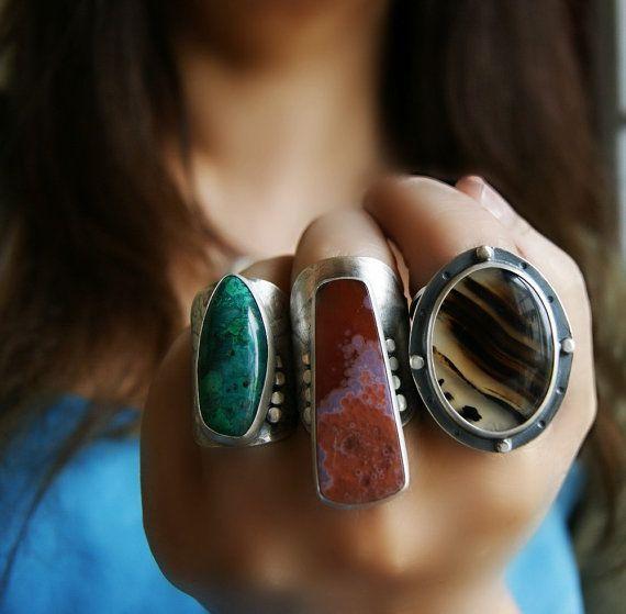 Hello les filles ! Niveau bijoux pour être original, il faut sortir des sentiers battus. A l'heure des bijoux minimalistes, la tendances du maxi revient en force, notamment pour les...