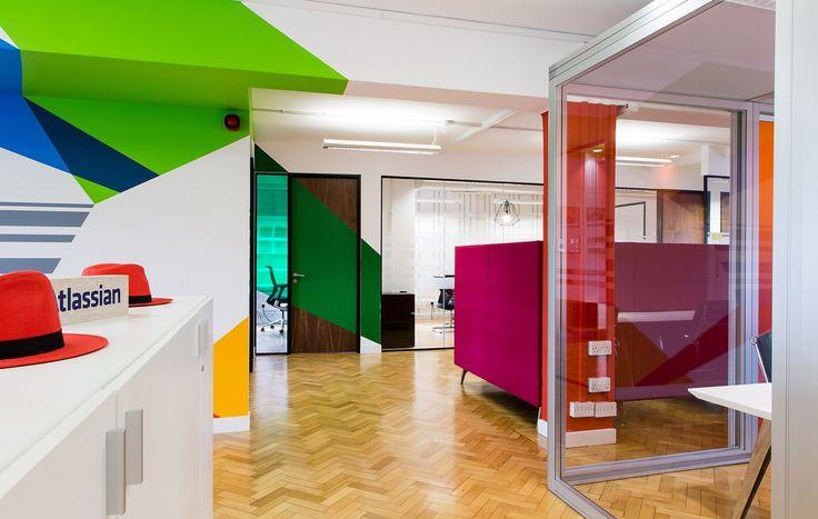 Valianty Office Interior - #officemural #handpainted #wallvinyl #glassmanifestation