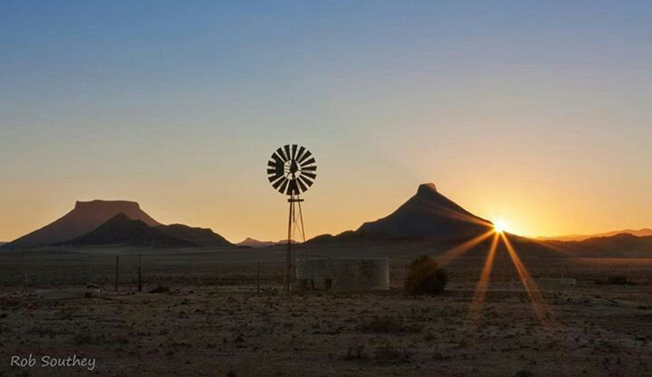 Picture by Rob Southey, a Karoo morning, SA.