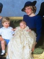 SHOCK PICTURES! How Kate Middleton is dressing Prince George and Princess Charlotte like Princess Diana dressed William and Harry - Now magazine
