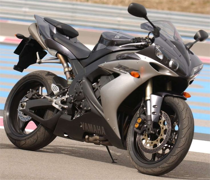 Yamaha R1000 YZF....the best