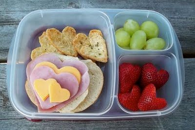 Heart pita chips, ham, cheese & strawberries