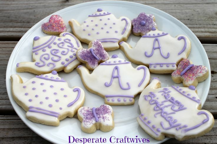 teapot cakes for little girls party | got the teapot cookie cutter from www.cheapcookiecutters.com and ...