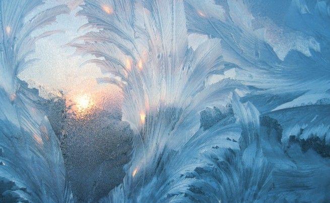 Опасно студено в цяла България през уикенда  Жълт код за екстремно ниски температури е обявен за цялата страна за 27 януари сочи справка в сайта на Националния институт по метеорология и хидрология (НИМХ) при БАН. Сутринта минималните температури ще са предимно между -16 и -11 на места и по-ниски. Максималните също ще останат отрицателни. Само по Черноморието температурите минимални и максимални ще бъдат малко по-високи. При тази степен на предупреждение са възможни здравни проблеми за…