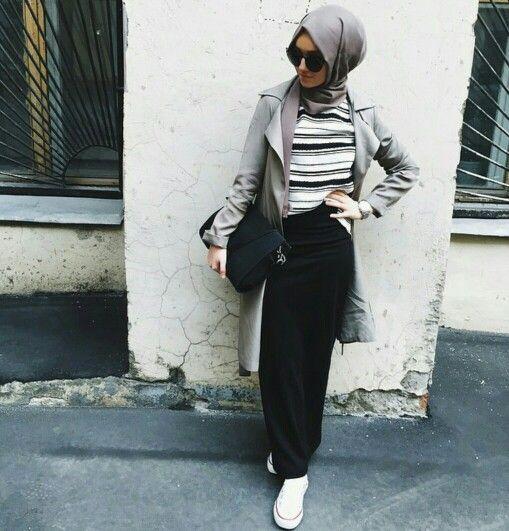 Street styles hijab looks http://www.justtrendygirls.com/street-styles-hijab-looks/