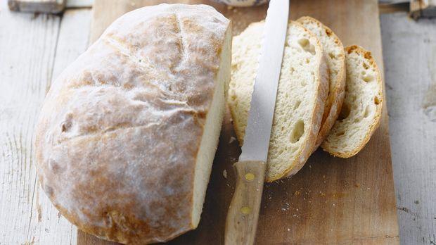 Weißbrot: Brot aus Hefeteig backen nach Rezept - Sweet & Easy - Enie backt - sixx