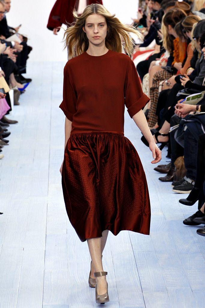 what a rich colour!!  Chloe Fall 2012 ready to wear: Chloé Fall, Red, Paris Fashion Week, Fashion Show, Fall2012, Chloe, Fall 2012, Fashionshow, Fall Winter