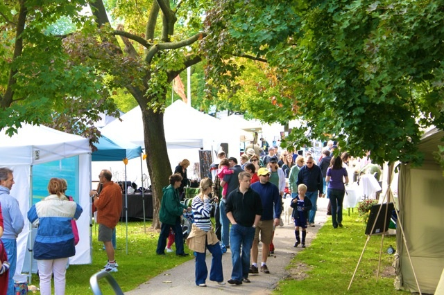 Families shopping for art and handicrafts at the Danforth East Arts Fair in East Lynn Park. Photo by Peter Schmiedchen