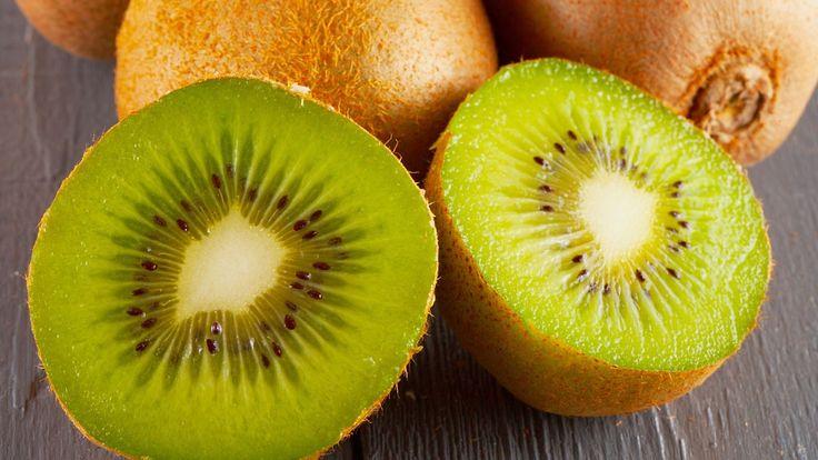 Kiivit ovat sekä maukasta että terveellistä herkkua. Copyright: Shutterstock. Kuva: Fabio Alcini .