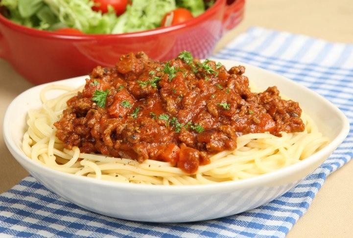 Spaghettis con salsa Bolognesa