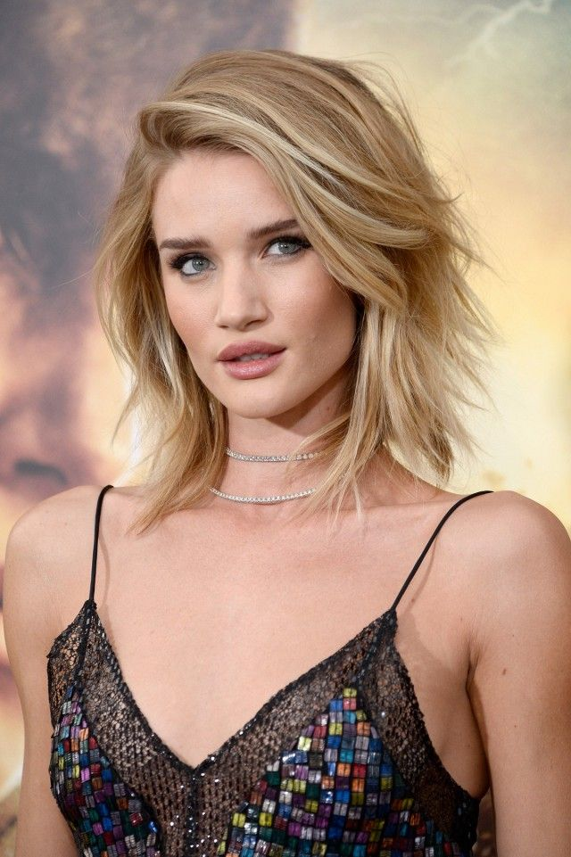 Rosie Huntington-Whiteley Brushed-Out Beach Wave