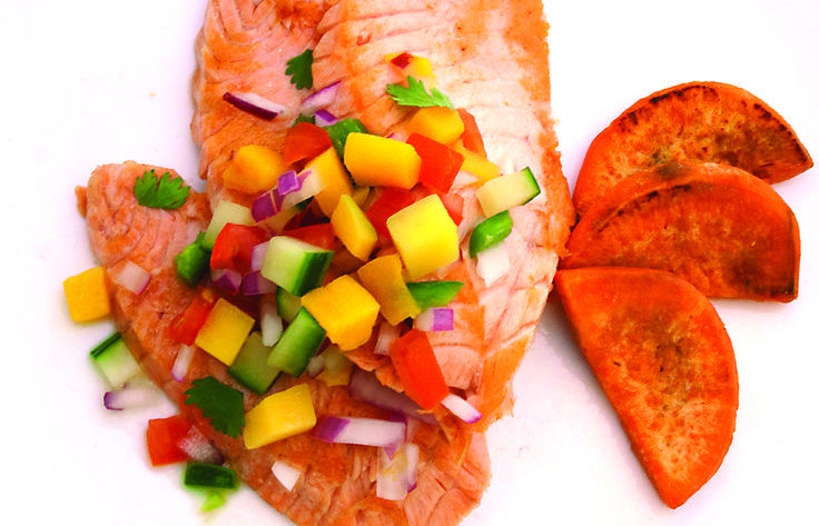 Hibachi Mango Salmon | Hibachi salmon with sweet potatoes and vegetables, served with a delicious Asian-inspired mango salsa.